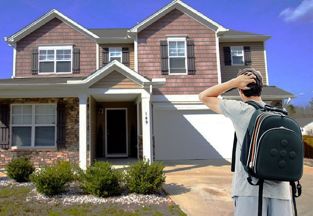 3 Things to Consider Before You Sign Your Housing Contract
